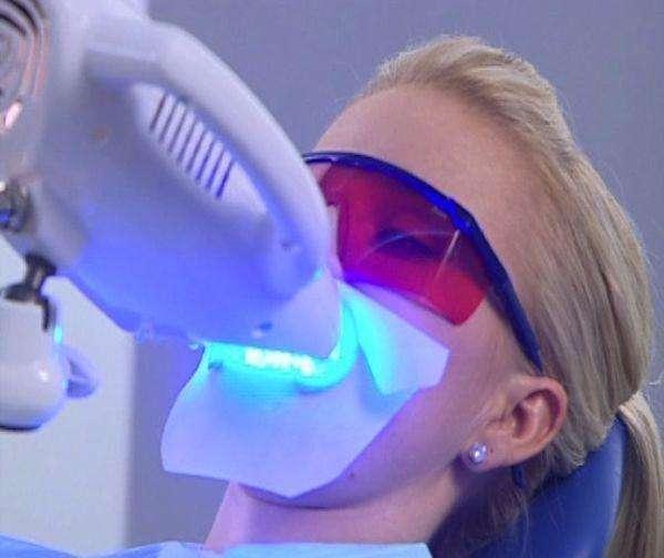 河源冷光美白后出现牙齿敏感是正常的吗